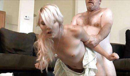 אחות גורמת לשמרטפית שלה סרטי סקס חינם אמא ובת למצוץ ולזיין אותה.