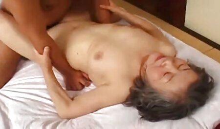 תיארתי סרטי סקס מיוחדים חינם את עצמי עם הרבה רגליים חמות עיתונות עומד בחדר האמבטיה