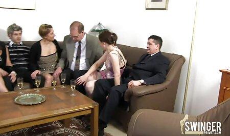 בחור סרטי סקס ישראלים חינם עם פירסינג, מזיין את הבחורה שלו.