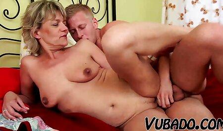 הגוף הצעיר הראה את כיתת סרטי סקס לצפייה ישירה חינם המומחים למציצה ואנאלית.