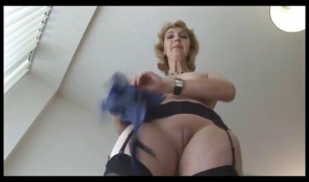 78. לעסות סרטי סקס חינם לצפיה את רגלי הנקבה ולמעלה.