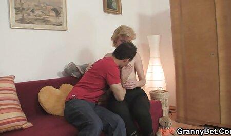 הבחור הזה סרטון סקס חינם השמין עם אישה מצחיקה בעלת עודף משקל.