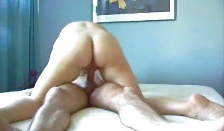 תאונן סרטי סקס לצפיה ישירה חינם ותזיין את הבחורה בתחתונים.