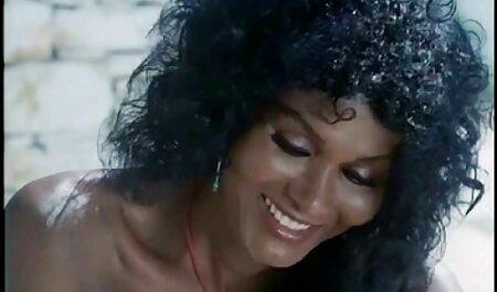 אוקסנה סרטי סקס צפיה ישירה חינם ברחה מבעלה.