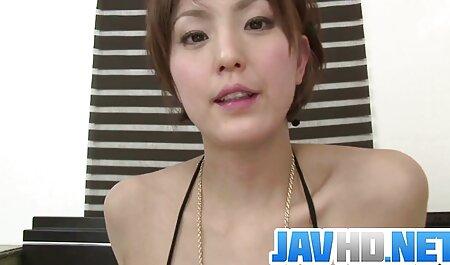אקס-קרולינה ומתגרה בפטמות שלה סרטי סקס שמנות חינם ומזיינת את עצמה, עסוקה בלהיפרד מהלידה
