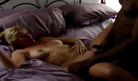 שמור סרטי סקס מבוגרות חינם אנאלי על דילדו גדול.
