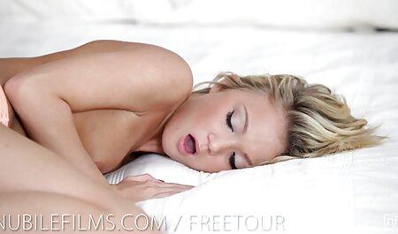 הלשון לסביות סרטי סקס חינם קרובה למכונית.