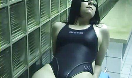 אחות רקובה מצצה שלושה זרגים בחצובה. סרטי סקס חינם שמנות