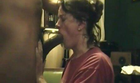 עיסוי על סרטי סקס חינם חזה גדול אמא לכסות עם מלאי רטוב