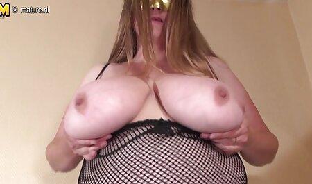 Pornstar ילדה סרטי סקס חינם ערביות נדהם על ידי לשון עמוקה זה, גוף ענק