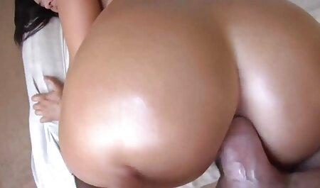 מורה צעירה צפיה ישירה סרטי סקס ושתי סטודנטיות לסביות