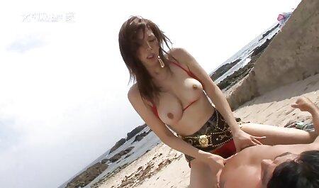 אמא סרטוני סקס לצפיה חינם שלנו תמיד מוכנה לשים סרט בין הרגליים שלה.