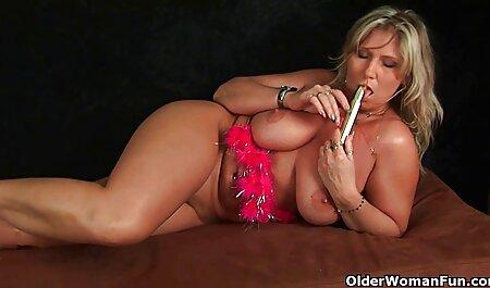 האישה השמנה לומדת אורגזמה סילונית ומזדיינת סרטי סקס חינם רופא בתחת.