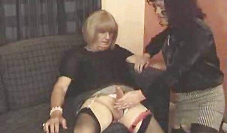 איש בזונה בועט על הספה סרטי סקס אלים חינם