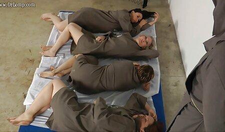 למסאג ' ר מגיע את התפקיד עם סרטי סקס אמא ובת חינם פלפלים שעירים.