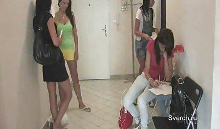 דיימון נכנס סירטי סקס לצפיה חינם ושותה את כריסטינה.