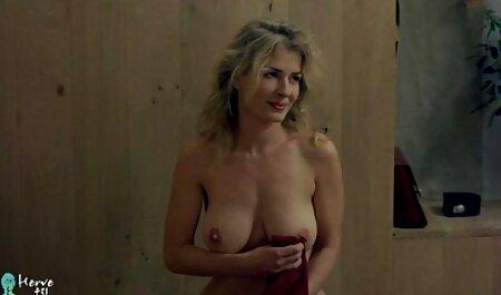במקומות סרטי סקס חינם אמהות ציבוריים ג ' וליה לובשת תחתונים לבנים ויש לה שתן טרי להירטב
