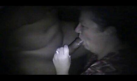 אחרי שהתעוררתי סרטי סקס צפיה ישירה חינם עם זין מסאז ' בשמן, מצצתי וישבתי למעלה,